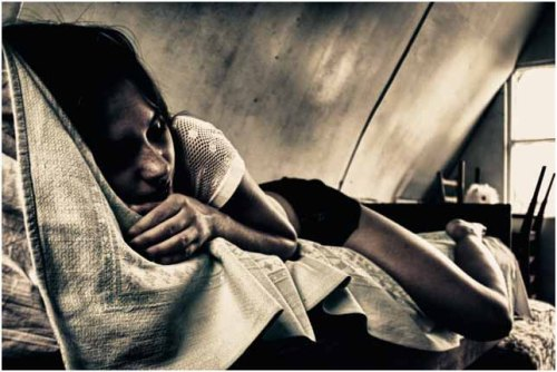 women despondant